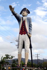 Captain Cook Statue in Cairns