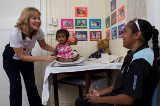 Fliegende Schwester Lisa Smith bei der Arbeit von Tourism Queensland  c/o Global Spot