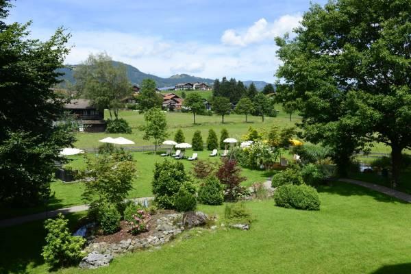 Hotel Rosenstock: Liegewiese inmitten der Natur