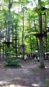Abenteuerpark Jaegersburg am unteren Ende des Brückweihers von Hihawai