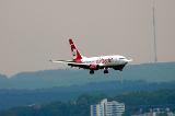 Air Berlin beim Landeanflug am Flughafen Saarbrücken