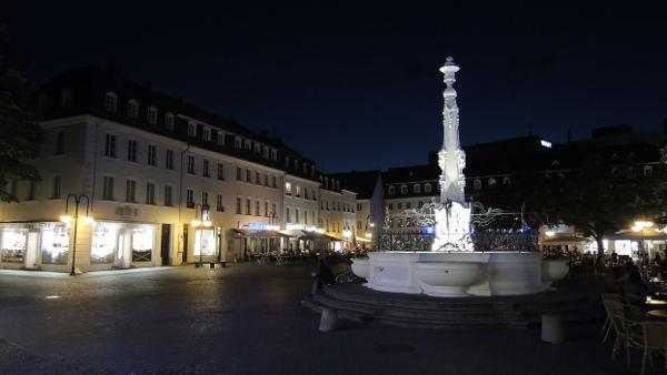 Abends am Marktbrunnen