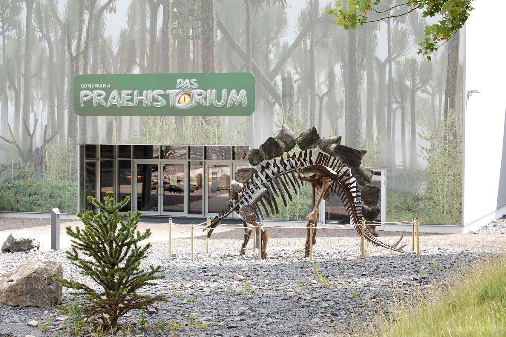 Eingang der Gondwana Erlebniswelt by Hihawai