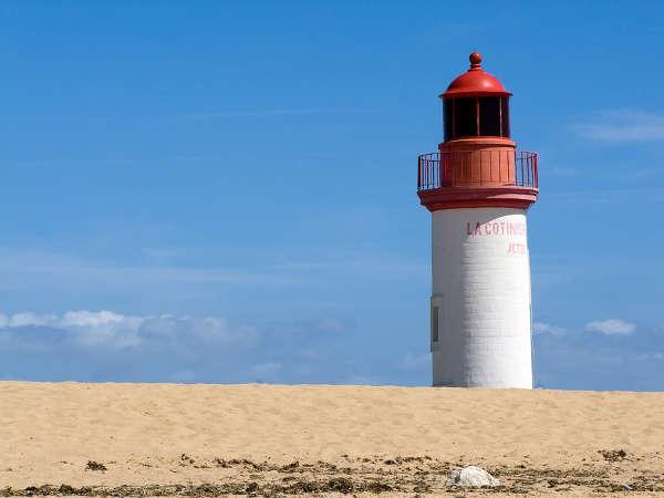 Strand und Leuchtturm bei La Cotinière Ile 'Oleron