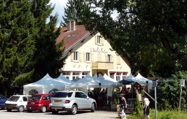 Bild aus Bitche: Hasselfurther Weiher: Auberge du Lac