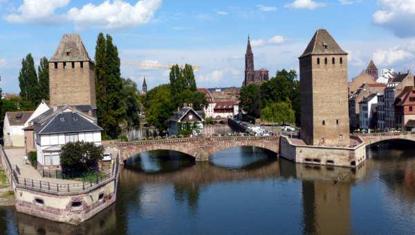 Bild aus Strassburg: die gedeckten Brücken und das Münster