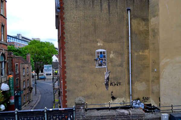 Hauswand in Bristol, an der sich Banksy verewigt hat