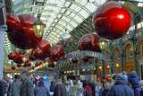 weihnachtlich geschmückter Covent Garden von Udo Haafke