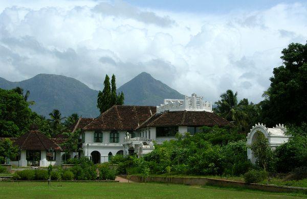 Der Ayurveda-Palast Kalari Kovilakom im grünen Hinterland von Kerala am Fuße des Westghats-Gebirges