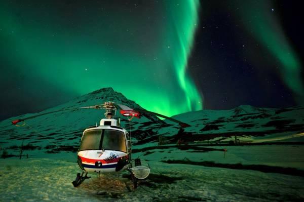 Einzigartiges Erlebnis: Heliskiing im Schein der Nordlichter