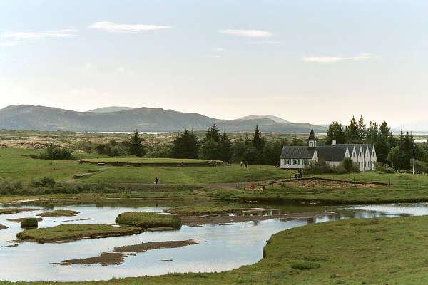 Gebäude des Nationalparks Thingvellir in Island