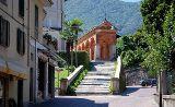 Baveno am Lago Maggiore oberhalb von Stresa, Kirche SS Gervasio e Protasio, Kreuzgang von Mbdortmund