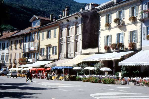 Cannobio Cafes am Seeufer