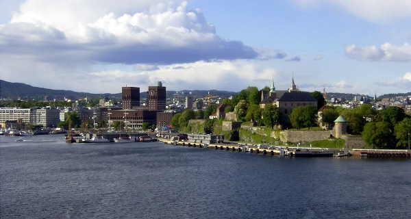 Festung Akershus und Rathaus Oslo
