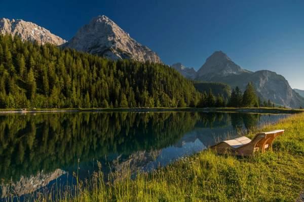 Panoramablick auf den Ehrwalder Almsee