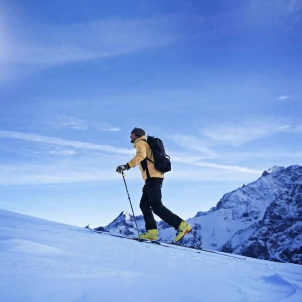 Einsteigerkurse bieten mehr Sicherheit für das Skitourengehen im freien Gelände