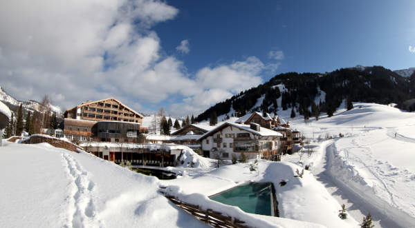 Hotel Jungbrunn mit beheiztem Außenpool