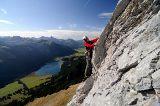 Klettern im Tannheimer Tal, im Hintergrund der Haldensee von Tourismusverband Tannheimer Tal c/o Angelika Hermann-Meier PR