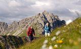 Marsch über Blumenwiesen zur Landsberger Hütte auf 1.805 Metern Höhe