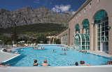 Außenbecken der Alpentherme Leukerbad von Lindner Hotels Schweiz c/o Schetter PR