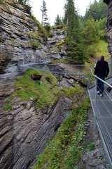 Hängebrücke in der Dalaschlucht von Hihawai