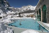 Schnee und Badespaß in Leukerbad