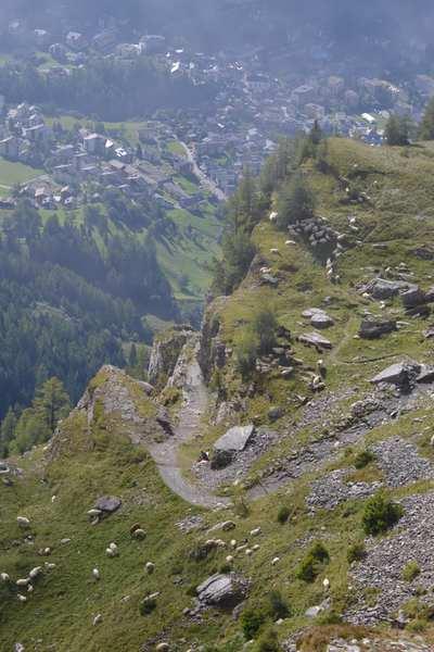 Leukerbad vor dem Schafabzug über den Gemmiweg