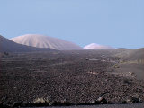 Montanas del Fuego 4 von Hihawai