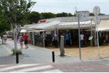Typische Einkaufsstraße in Paguera von Hihawai