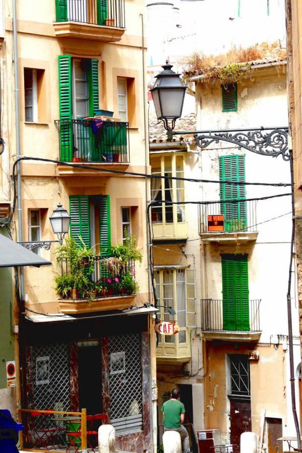 Siting in Palmas Altstadt