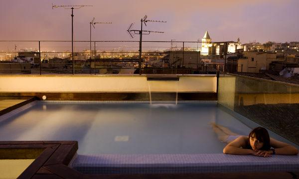 Beste Aussichten auf das weihnachtliche Palma: Die Dachterrasse des Hotel Tres