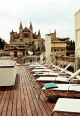 Exklusiver Blick von der Dachterrasse des Hotels TRES auf die Kathedrale La Seu in Palma de Mallorca