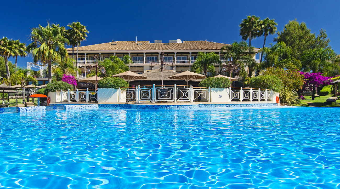 Lindner Golf & Wellness Resort Portals Nous mit Pool