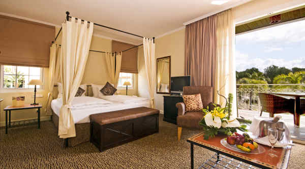 First Class Doppelzimmer im Lindner Golf & Wellness Resort Portals Nous